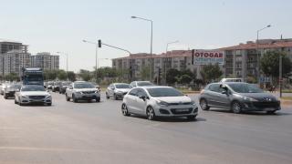 Afyonkarahisar'da bayram tatili dönüşü araç yoğunluğu yaşanıyor