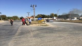 Konya'da yanan otomobilin sürücüsünü benzin istasyonu çalışanı kurtardı