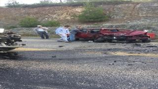 Bursa'da otomobil ile hafif ticari araç çarpıştı: 1 ölü, 3 yaralı