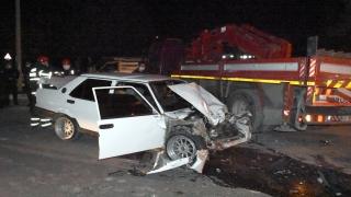 Aksaray'da dur ihtarına uymayan otomobil çekiciye çarptı: 1 ölü