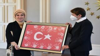 Emine Erdoğan, öğretmenlerle bir araya geldi:
