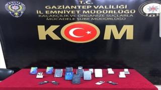 Gaziantep'te gümrük kaçağı 19 cep telefonu ele geçirildi