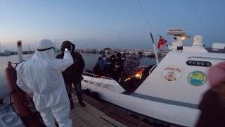 Çanakkale açıklarında 80 sığınmacı yakalandı