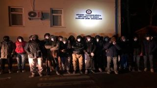 Batman'da yurda kaçak giren 44 göçmen yakalandı