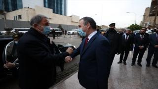Milli Savunma Bakanı Akar, IKBY Başkanı Barzani ile görüştü, Türkmenlerle bir araya geldi