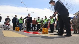 """Diyarbakır, Mardin ve Bingöl'de """"Yaya Önceliği Kırmızı Çizgimizdir"""" etkinliği düzenlendi"""