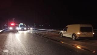 Afyonkarahisar'da otomobil ile kamyon çarpıştı: 1 ölü, 2 yaralı