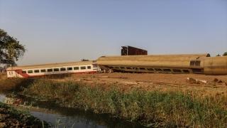 Mısır'da tren kazası meydana geldi