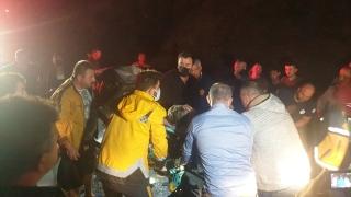 Düzce'de işçi servis aracı ile otomobilin çarpıştığı kazada çok sayıda kişi yaralandı