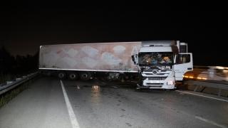 Uşak'ta tırın traktöre çarpması sonucu 1 kişi yaralandı