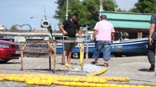 Düzceli balıkçılar selin ardından derelerden gelen çamurlu su ve fırtına nedeniyle denize açılamadı
