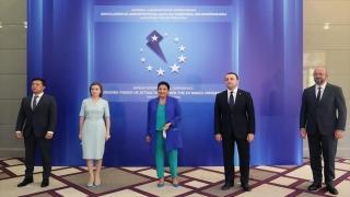 """Gürcistan'da """"AB'nin Çekim Gücü ve Bölgenin Dönüşümü"""" konferansı başladı"""
