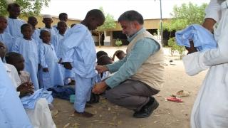 Help Yetim İnsani Yardım Organizasyonu Afrika'daki yetimlere bayramlık giysi hediye etti