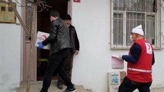 Sultanbeyli Vefa Sosyal Destek Grubu, bin yardım kolisi dağıttı