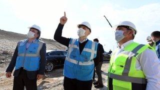 Bakan Karaismailoğlu HalkalıKapıkule Demir Yolu inşaatında incelemelerde bulundu
