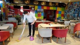 Kafe ve restoranlar yeniden açılmak için hazırlanıyor