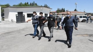 Pompalı tüfekle gasp yapan şüpheliler yakalandı