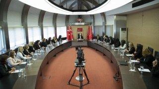 Kılıçdaroğlu, partisinin Kadın Kolları üyelerini kabul etti