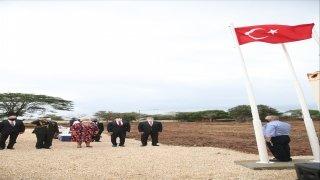 Dışişleri Bakanı Çavuşoğlu Dakar Büyükelçiliğinin yeni binasının temelini attı