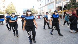 İstanbul polisinden koronavirüse karşı bilgilendirme çalışması