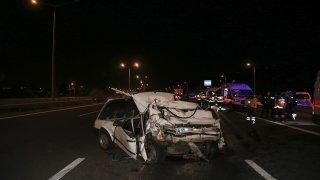 Başkentte tır otomobile arkadan çarptı: 2 ölü