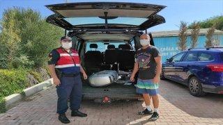 Milli sörfçü Çağla Kubat'ın Çeşme'de çalınan tekne motoru, jandarma ekiplerince bulundu