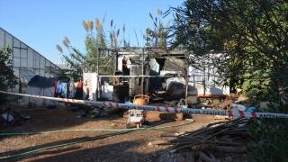 Antalya'da konteyner barakada çıkan yangında 6 aylık bebek öldü