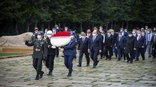 İçişleri Bakanı Soylu ve beraberindeki heyet Anıtkabir'i ziyaret etti
