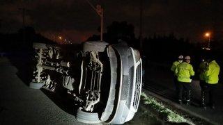 Kocaeli'nde işçi servis minibüsü devrildi: 6 yaralı