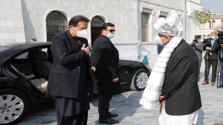 Pakistan Başbakanı İmran Han resmi ziyaret için Afganistan'a gitti