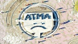"""Iğdır'daki temizlik işçileri sokaklardan toplanan çöplerle """"ATMA"""" yazdı"""