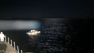Marmaris açıklarında 17 sığınmacı kurtarıldı