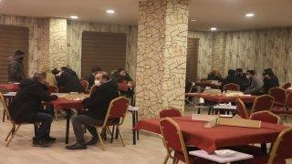 Ağrı'da Kovid19 kurallarını ihlal ederek kafede okey oynayanlara 58 bin 500 lira ceza