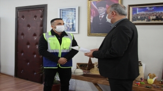 Borçka Belediye Başkanı Orhan, karacayı kurtarmak için nehre giren personele teşekkür etti