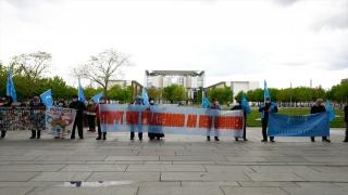 Çin'in Uygurlara yönelik baskılarının Almanya tarafından soykırım olarak tanınması için gösteri yapıldı