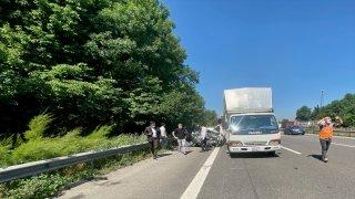 Anadolu Otoyolu'nda kamyonun altına giren otomobilin sürücüsü vefat etti