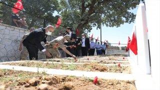 Pınarcık'ta 34 yıl önce PKK'lı teröristlerce katledilen 30 kişi anıldı
