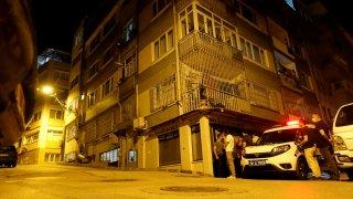 Bursa'da ablasını odaya kilitleyip balkondan rastgele ateş açan kişi gözaltına alındı