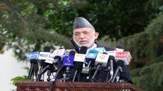 """Eski Afganistan Cumhurbaşkanı Karzai: """"En kısa sürede Taliban'la müzakereler ciddi şekilde yeniden başlayacaktır"""""""