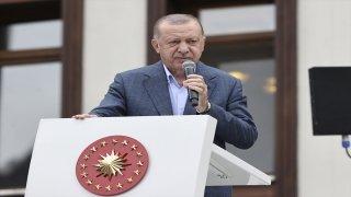 Cumhurbaşkanı Erdoğan, selden etkilenen Güneysu'da vatandaşlara hitap etti: (2)