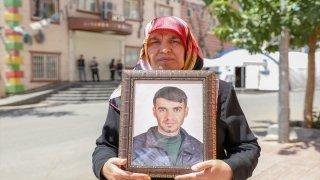 Oturma eyleminin 700'üncü gününde Diyarbakır annelerine destek