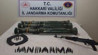Hakkari'de mağaraya gizlenmiş tanksavar silahları ele geçirildi