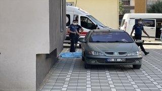 Adana'da apartmanın 7. katından düşen kişi hayatını kaybetti