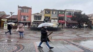 Edirne'de başlayan sağanak gece etkisini artıracak