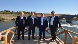 TBMM İnsan Haklarını İnceleme Komisyonu Başkanı Çavuşoğlu, Muş'ta ziyaretlerde bulundu