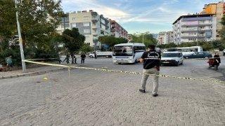 Aydın'da eşinin yanında gördüğü kişiye otomobille çarpan koca gözaltına alındı
